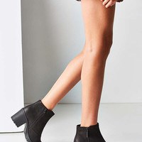 Vagabond Nubuck Grace Double Zip Ankle Boot | Urban Outfitters