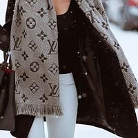 LV Louis Vuitton winter tide brand female models plus velvet warm cashmere scarf
