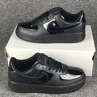 NIKE Air Force 1 LIGHT Black