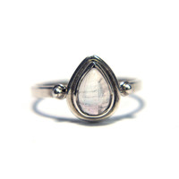 M.C Aresa Moonstone Ring (Sterling Silver)