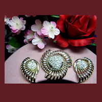 Vintage faux diamond brooch earrings. Signed MARBOUX