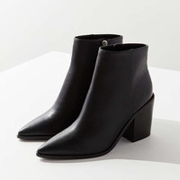 Nori Pointy-Toe Ankle Boot | Urban Outfitters