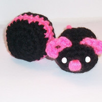 Organic catnip stuffed plush mouse cat toy with a special five catnip blend, in black and bright pink
