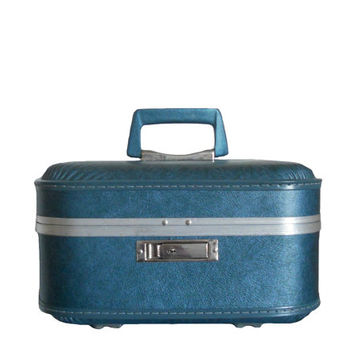 Vintage Train Case Teal Blue Metallic Suitcase Beauty Cosmetic Luggage with Light Blue Interior Mirror and Silver Toned Hardware