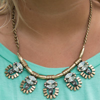 Natural Beauty Necklace - White/RussianGold