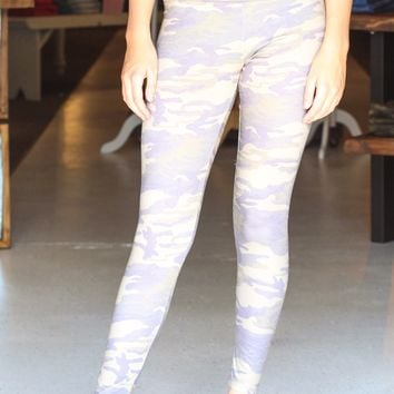 {Olive} Camouflage Printed Leggings - Size SMALL