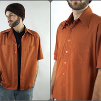 Mens Vintage 70s Burnt Orange Short Sleeve Button Up Shirt with Pointed Collar Size Large Western Pointy Collar Dress Shirt Polyester Cotton