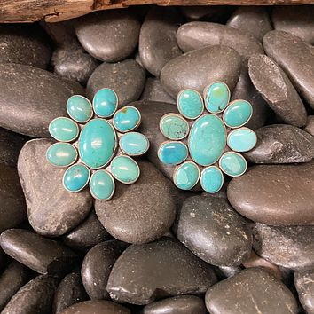 Cluster Amazing Turquoise Genuine Post Earrings