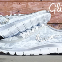 Nike Free Run 5.0 V4 PT Glitter Kicks Running Shoes Blinged Out With Swarovski Elements Crystal Rhinestones - Gray/White/Silver Snake Print