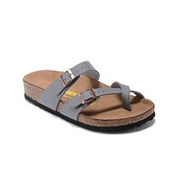 Newest Hot Sale Mayari Birkenstock 805 Summer Fashion Leather Beach Lovers Slippers Casual Sandals For Women Men Couples Slippers color Grey size 34-45