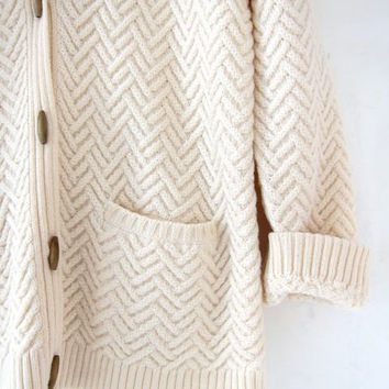Vintage natural cream wool sweater. Oversized cardigan sweater. Chunky knit pullover. Fisherman's sweater. Wooden toggle sweater.