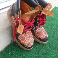 Fiore Rosso Custom Timberland Boots