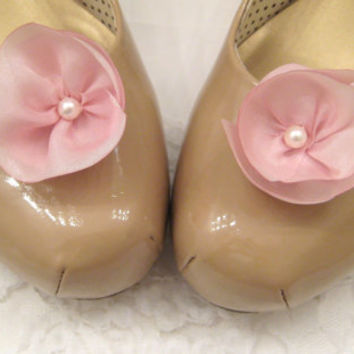Pink wedding shoe clips, pink silk flower bridal shoe clips, pink flower clips, shoe jewelry, bridesmaid accessory, wedding shoes
