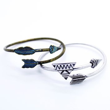 Arrow bangle bracelet