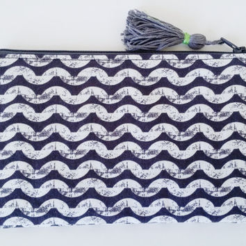 Minimalist Modern Small Lined Zipper Pouch With Tassel. Cotton Grey/Black & Creamy White Waves