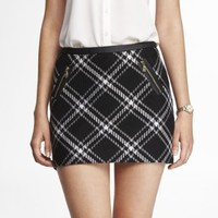 TEXTURED TARTAN PLAID MINI SKIRT