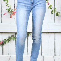 Mid-Rise Summer Faded Skinny Jeans {L. Wash}