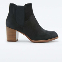 Vagabond Anna Black Chelsea Ankle Boots - Urban Outfitters