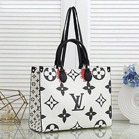 Louis Vuitton Lv Fashion Ladies Print Trendy Shoulder Handbag