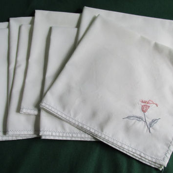 Embroidered Flower Dinner Napkins Set Eight Vintage Cotton Holiday Table Entertaining