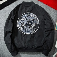 Versace 2017 spring and autumn youth tide brand men's embroidery baseball flight jacket Black and white