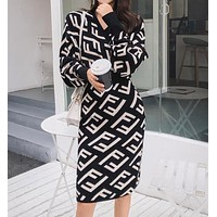 FENDI Newest Popular Women Temperament V Collar Hight Waist Knit Double F Letter Jacquard Long Sleeve Dress Black
