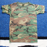 Vintage 1990s army CAMO camouflage short sleeve tight Hipster tshirt