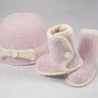 CHEN1ER Pink Baby Ugg Boots & Hat with Bow Set - Mother of Pearl