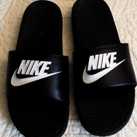 Nike couple slippers leisure beach slippers Black letters