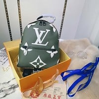 lv louis vuitton shoulder bag lightwight backpack womens mens bag travel bags suitcase getaway travel luggage 82