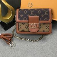 """Louis Vuitton"" Men Casual Fashion Retro Classic Single Shoulder Bag Women Temperament Envelope Bag"