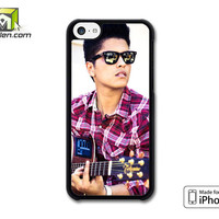 Bruno Mars Playing Guitar iPhone 5c Case Cover by Avallen