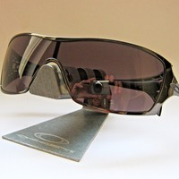 OAKLEY, Dart Sonnenbrille 05-664, Black Chrome Frame/Warm Grey Lens, Top!