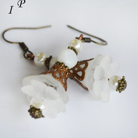 Lucite flower dangle white earrings bronze filigree vintage chic women gift