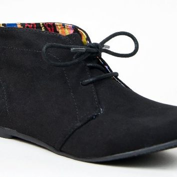 Qupid SHUFFLE-01 Designer Inspired TOMS Lace Up Flat Desert Boot Ankle Bootie