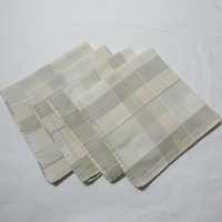 4 Vintage 1980s Plaid Pale Green Woven Dinner Napkins, 15 Inches Square with Peach, Ivory Subtle Colors, Vintage Linens, Country Table Linen