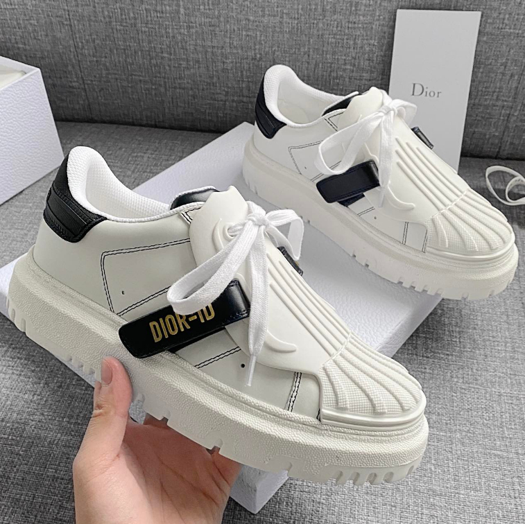 Image of Dior2021 spring and summer thick soled small white shoes