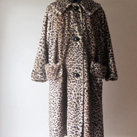 Vintage Cheetah / Leopard Faux Fur Coat Large