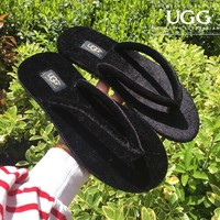 UGG sells women's casual flip-flops and fashionable velvet sandals Black