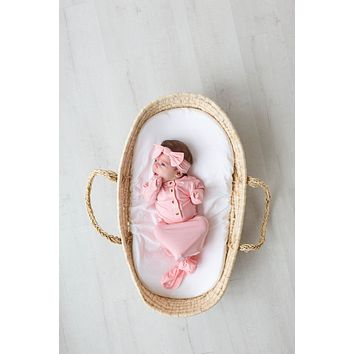 Emerson Newborn Knotted Baby Gown & Hat Set with Headband in Pink
