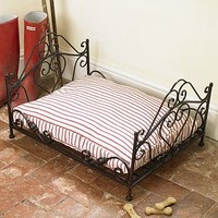 Wrought Iron Luxury Amore Pet Bed With Mattress
