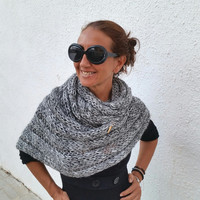 Chunky knit scarf, oversized grey cowl, knitted chunky stole,wool knit gifts, unisex wool knitwear, winter wool trend, extra large scarf,