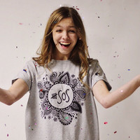 5 Seconds of Summer 5SOS Grey Floral Zentangle Tee © (Design by Hannah Flick)