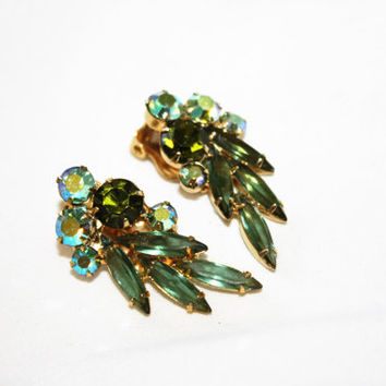 Vintage Green Rhinestone Earrings, Vintage Clip On Earrings, AB Rhinestone Earrings, 1950s Jewelry