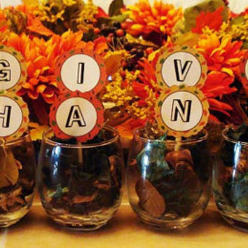 Thanksgiving decorations and recipe cards - PDF