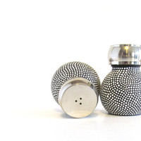 Black and White salt and Pepper Shaker set Orb shaped Salt and Pepper shakers