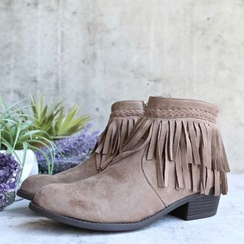 faux suede fringe western cowgirl boho ankle boot - taupe
