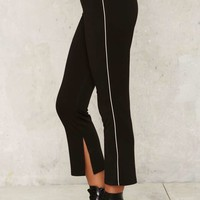 CAMP Collection Pipe Up Cropped Leggings