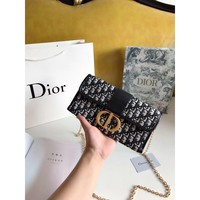 8-21[NEW]Dior19 new Montaigne 30 old flower MONTAIGNE metal chain female clutch bag gift box packaging