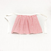 Red Checker Apron, Thanksgiving Hostess Gift idea, Christmas gift for Her, Red Gingham Apron, Gift Exchange idea, Dinner Aprons